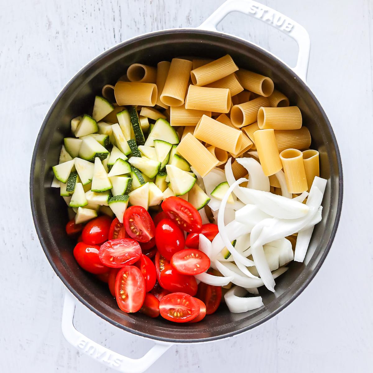 one pot vegan pasta in pot